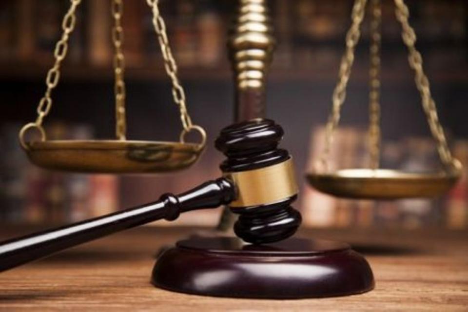 """По искане на Районна прокуратура-Бургас бе взета мярка за неотклонение """"задържане под стража"""" спрямо мъж, който е обвинен за това, че противозаконно подпомогнал..."""