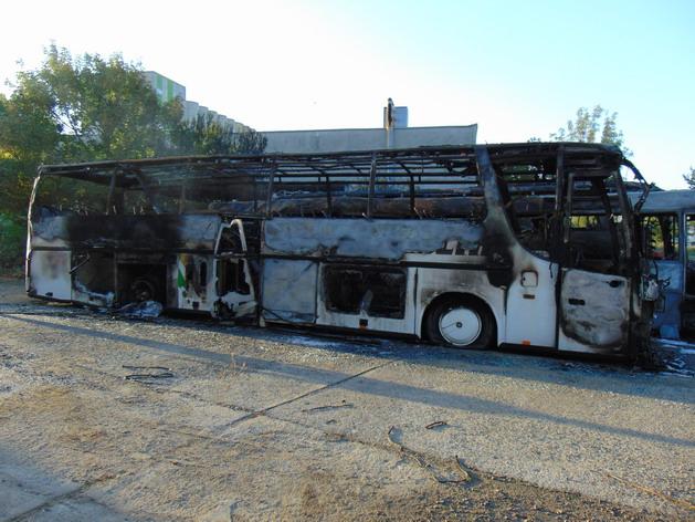 Обвиненият в палеж на автобуси в Ямбол остава за постоянно в ареста, реши Апелативният съд в Бургас. На този етап мярката е окончателна и не може да бъде...