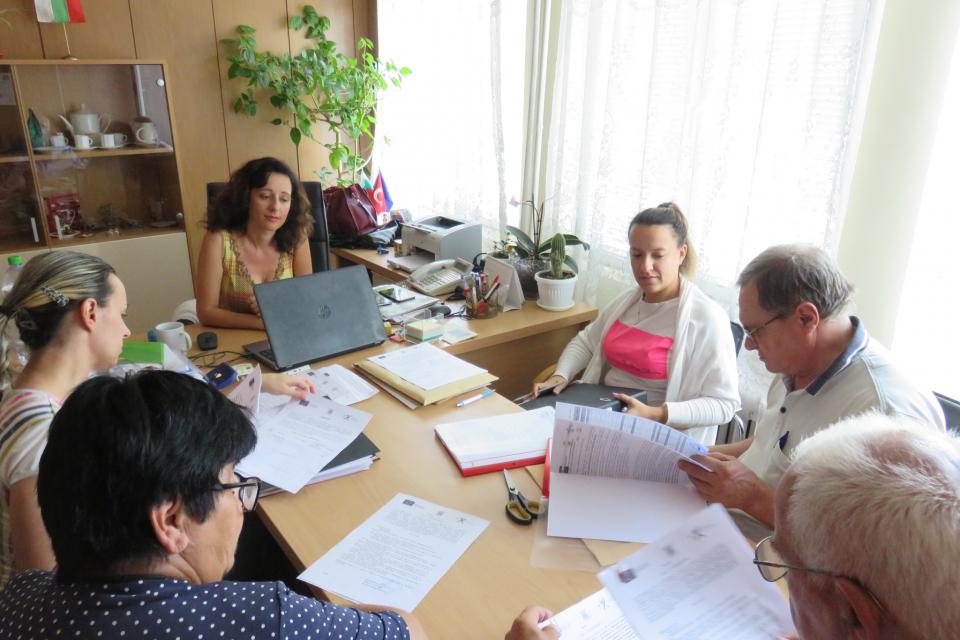 Вчера в Болярово бяха отворени оферти по три обществени поръчки. И на трите комисии,...