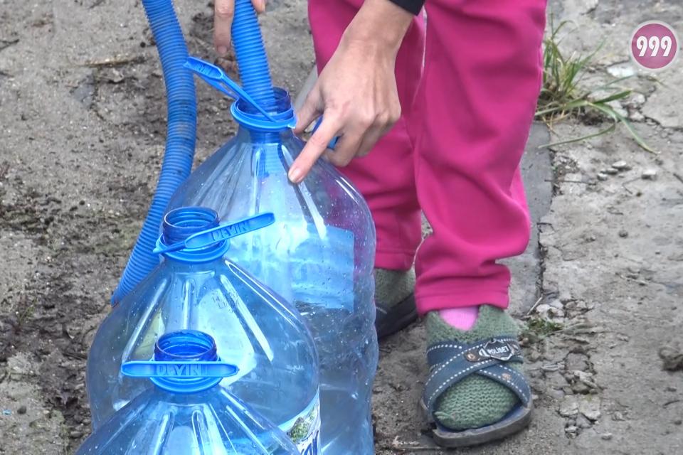 Проблемът с безводието в област Ямбол се разраства. Вече и в община Тунджа ограничиха водоползването, а стотици чешми по селата са пресъхнали от дълго...