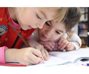 Около 59 000 първокласници прекрачват училищния праг в страната