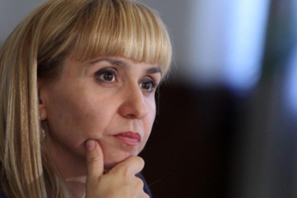 Днес омбудсманът на България Диана Ковачева и екип от експерти на институцията ще изслушват проблемите на граждани от Сливен и региона. Това съобщиха от...
