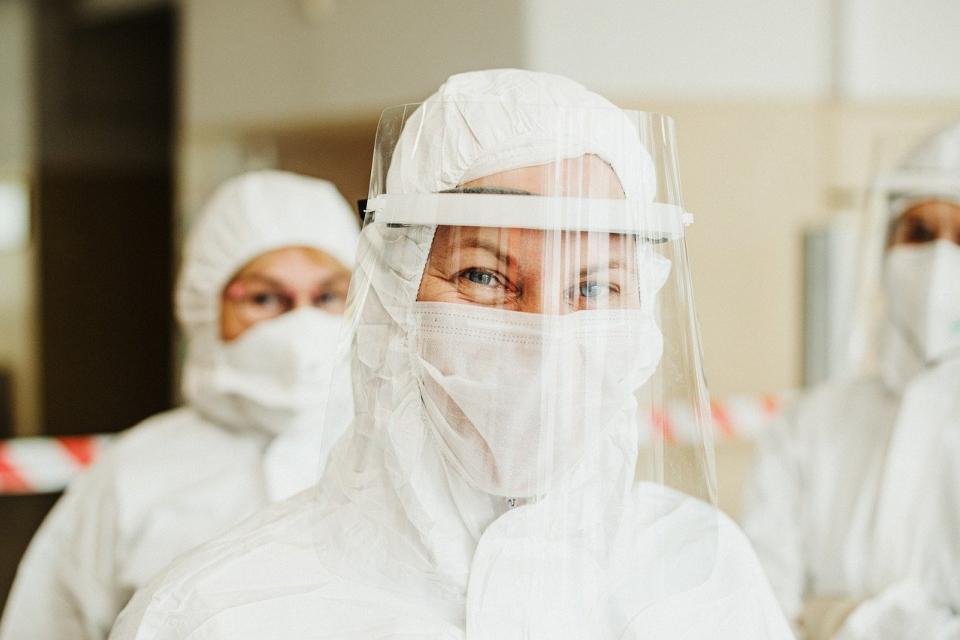1792 нови случаи на коронавирус в страната отчитат лабораториите в неделя, 29 ноември. От тях 19 са в област Ямбол, 74 – в област Сливен. Най-много новодиагностицирани...