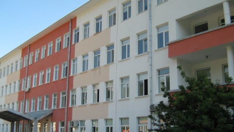 Още двама лекари от Комплексния онкологичен център във Враца са дали положителен резултат за COVID-19, коментира Нова. Лечебното заведение е единственото...