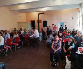 Още социални услуги и ремонти по уличната мрежа поискаха жителите на село Златари през новия мандат