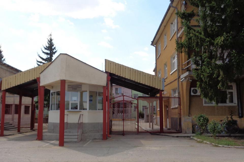 Затворничка, с присъда за трафик на хора, бе освободена предсрочно от Сливенския затвор с определение на Окръжния съд, научи 999. Жената е била задържана...