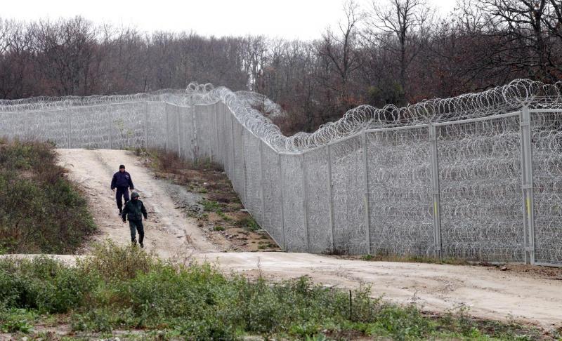 Двама кюрди от Сирийската арабска република, които живеят постоянно у нас, са осъдени условно, защото се опитали да преминат незаконно границата ни през...