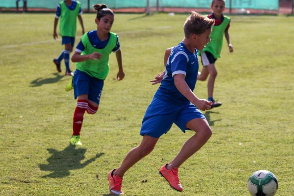 По инициатива на ООН 10 декември се отбелязва като Световен ден на футбола. Това е най-популярният спорт в света, омагьосал близо 240 милиона души на...