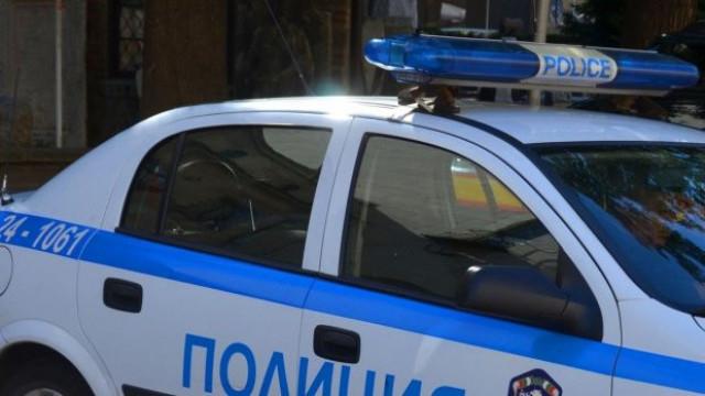 """Криминалисти от участък """"Градец"""" са разкрили кражба на вещи от лек автомобил. Малко след получаване на сигнала извършителят е установен. На 16 юли 63-годишен..."""