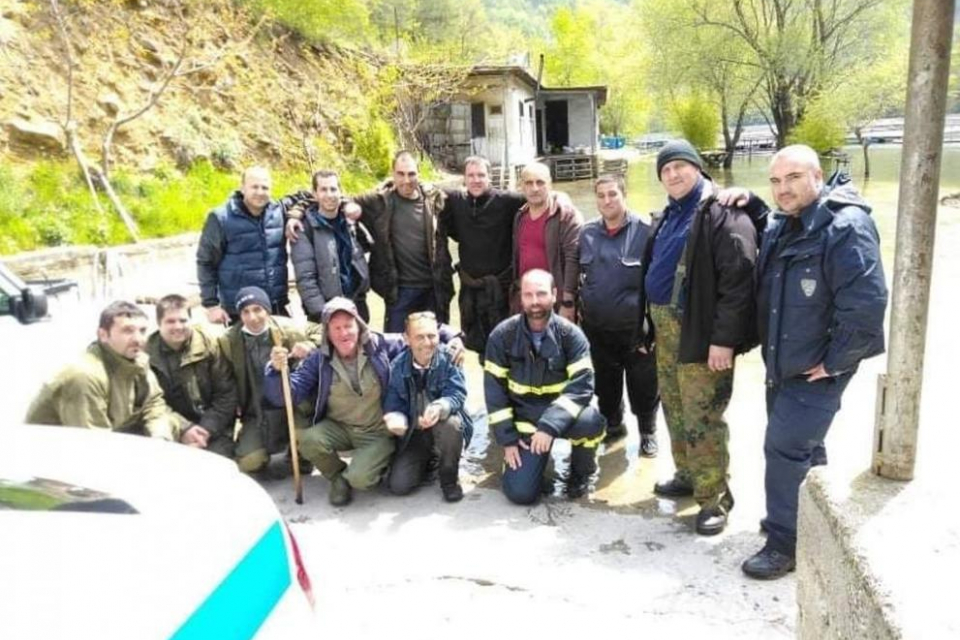 За по-малко от денонощие полицаи, лесничеи, ловци и доброволци-планинари откриха мъж, загубил се в труднодостъпна планинска местност,съобщиха от полицията.    Всичко...