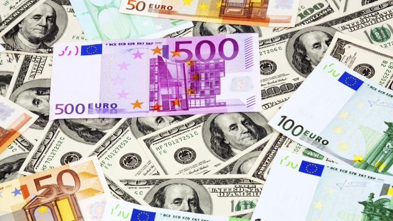 Митническислужители от Териториална дирекция Митница Русе откриха недекларирана валута с левова равностойност над 850 000 лева при проверки на три товарни...