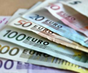 """Откриха недекларирани близо 20 000 евро на ГКПП """"Лесово"""""""