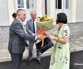 Откриха новия физкултурен салон и обновената сграда на Професионална гимназия по хотелиерство и туризъм в Сливен