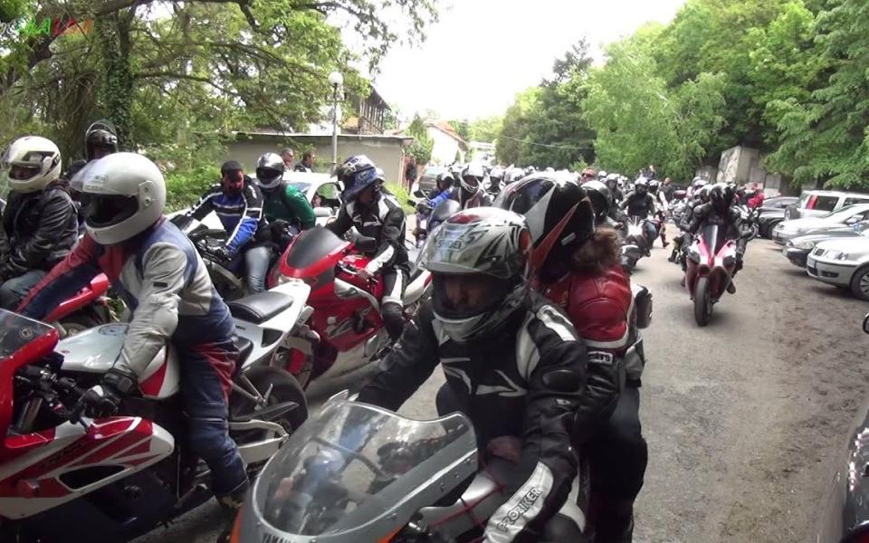 """Традиционният пролетен мотосъбор край Ямбол ще бъде открит днес. Организатори са общините Ямбол и Тунджа, както и мотоклуб """"Ездачите"""", коментират от БНР. Мотосъборът..."""