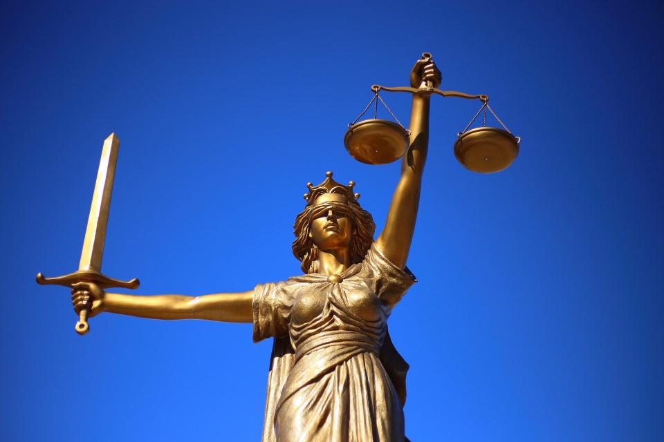 Адвокатът на лидера на партия ДОСТ Лютви Местан ще поискаотлагане на делотоза катастрофата,при която загина 6-месечно бебе.Това става ясно от позиция...