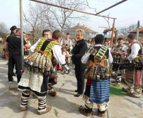 Отлагат кукерските игри в Козарево