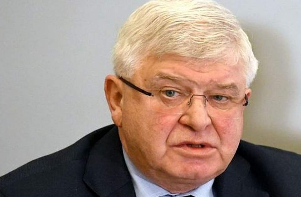 """Здравният министър Кирил Ананиев съобщи, че отменя заповедта си от вчера, с който задължително се носят предпазни маски на открити и закрити публични места.  """"Искам..."""