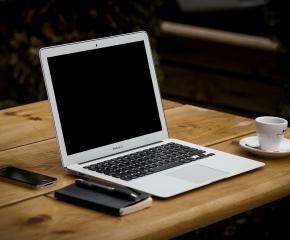 Отпускат 1 милион лева  за закупуване на лаптопи и таблети за деца на социални услуги