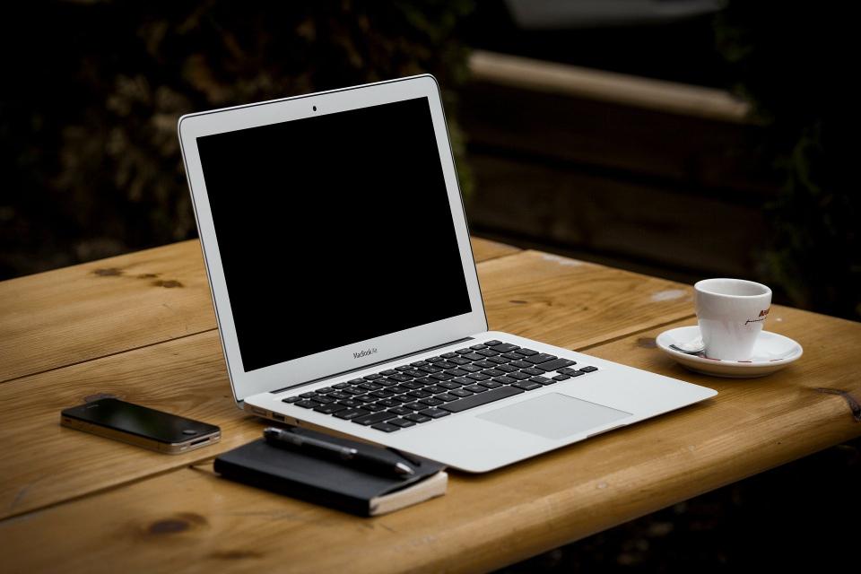 Министерството на труда и социалната политика осигурява 1 милион лева за общините, за да купят лаптопи и таблети за децата, ползващи социални услуги. Така...