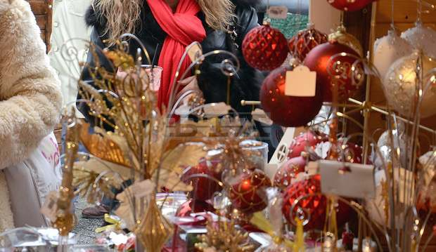 Днес се открива Коледният и новогодишен базар в Ямбол. Сурвакници, детски играчки, балони, захарни изделия и други стоки ще се предлагат до 31 декември...