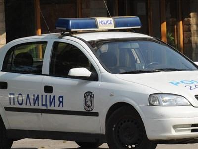 Полицейска акция в Димитровград. Непълнолетно момиче е било отвлечено тази нощ. Сигналът е подаден от родителите на детето. Съмненията са, че извършителят...