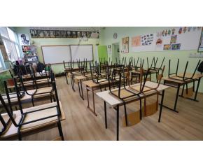 Отворено писмо срещу връщането на учениците в клас