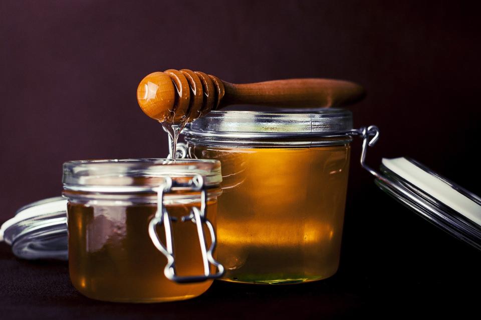 """Добрич е домакин на пчеларски пазар """"Пчеломания"""". Организатор на проявата е """"Добрички панаир"""" АД. Изложението се провежда на алеите и откритите пространства..."""