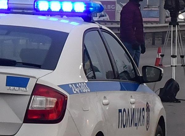 """На 12 декември, около 09,00 часа,  на ул.''Чумерна'' в гр.Шивачево, е възникнало пътно произшествие. Лек автомобил """"Опел Астра"""", управляван от мъж на 44..."""