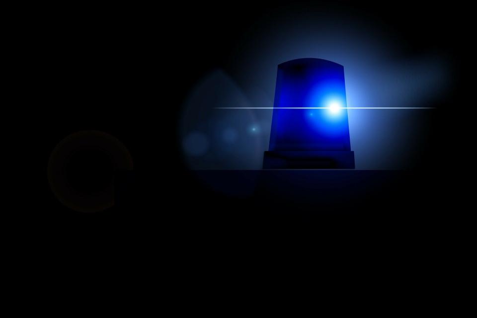"""Товарен бус удари внезапно излязъл на пътното платно пешеходец. Произшествието е станало малко след 18.00 часа на 6 ноември на ул. """"Димитър Благоев"""" в..."""