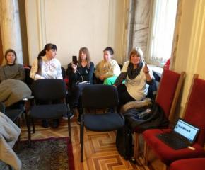 Пет медицински сестри останаха барикадирани в сградата на бившия Партиен дом