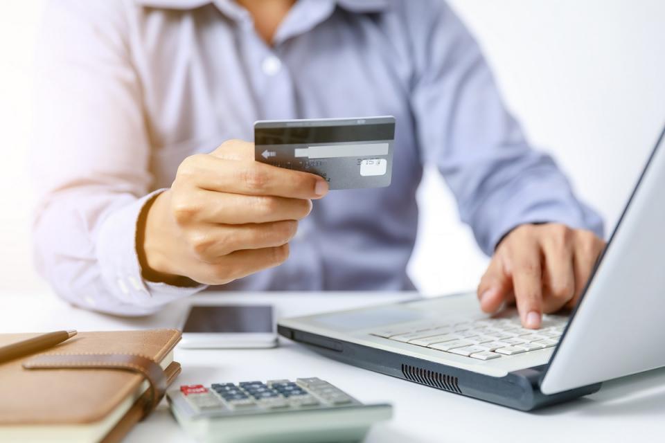 Близо 840 души са одобрени до момента за безлихвени кредити от Българската банка за развитие. Мярката в подкрепа на самоосигуряващи се и хора в неплатен...