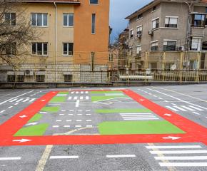 Площадка по безопасност на движението е изградена в двора на Общински детски комплекс - Ямбол