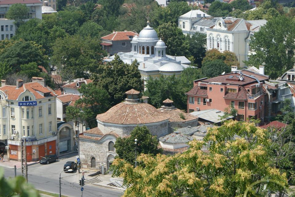 Около Пловдив свободни за застрояване парцели вече почти няма. Интересът към имотите в близките до града села е наистина огромен. Брокери обясняват, че...