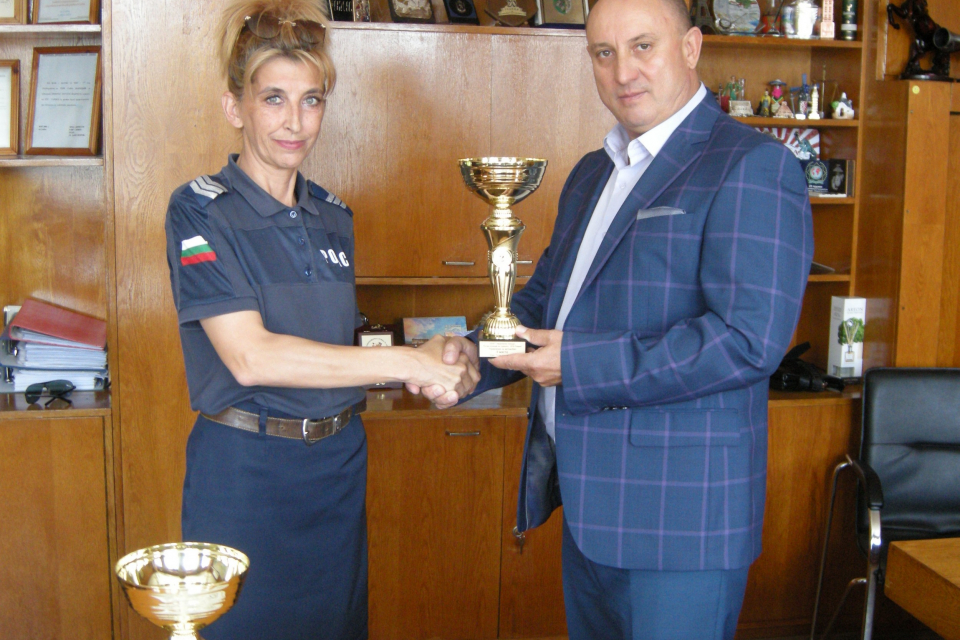 """Галин Славчев е втори в състезанието по майсторско управление на автомобил Отборът на сектор """"Пътна полиция""""-Сливен е четвърти в отборното класиране на..."""