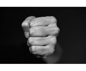 Побой над малолетен в Пазарджик. Нападателят опита да се самоубие