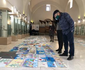"""Почти 800 деца се включиха в конкурса за рисунка """"Коледа"""", част от благотворителната кампания на Община Ямбол """"Подай ръка – спаси живот"""""""