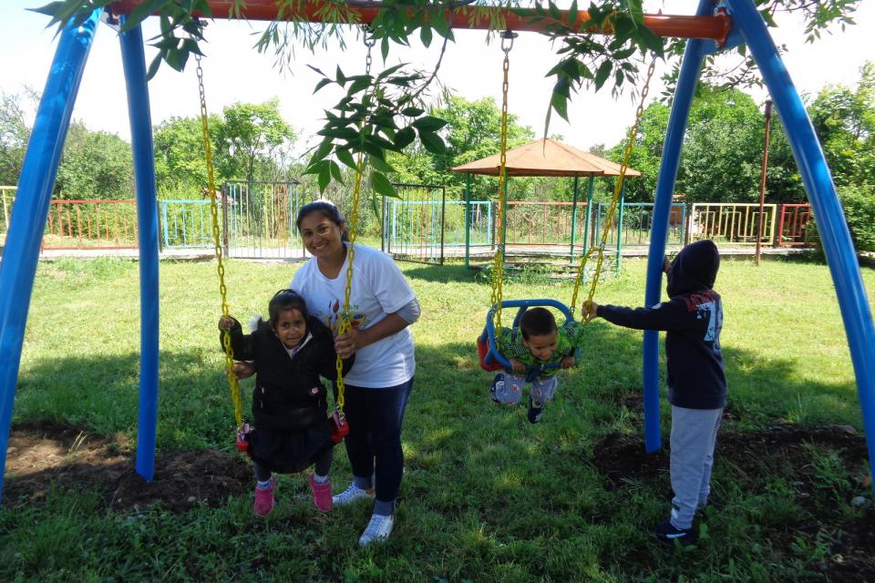 "В Деня на Детето – 1 юни 2021 г., деца, родители-доброволци и екипът на Детска градина ""Дечка Сюлемезова"", с. Веселиново, община ""Тунджа"" заедно подготвиха..."