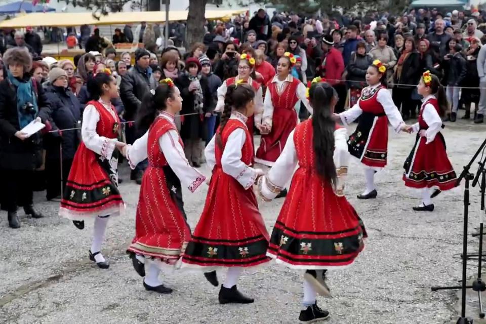 В ход е подготовката на Петнадесети общински празник на виното, който ще се проведе на 15-ти февруари 2020 г., от 10.30 часа, в с. Скалица. Организатори...