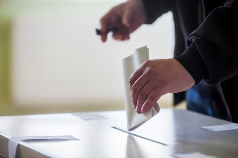 Правителството подготвя мерки за провеждане на парламентарните избори в безопасна за здравето на хората среда. Това обяви министърът на здравеопазването...