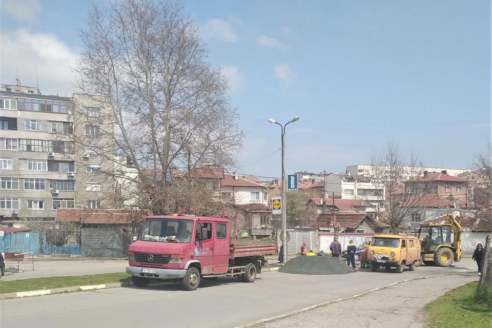 """В района на Биков мост и улиците """"Цар Самуил"""" и """"Крали Марко"""" днес е прекъснато временно водоподаването, съобщават от """"ВиК"""". Ремонтират проблеми с водопроводната..."""