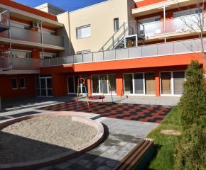 Подобряват инфраструктурата в детските градини и ясли в Сливен
