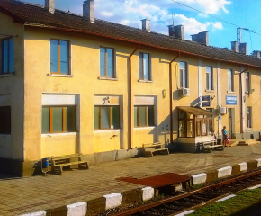 Подписаха договора за ремонт на гарата в Зимница