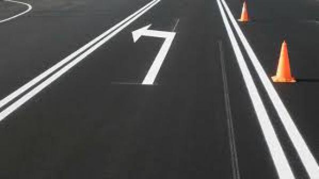"""Агенция """"Пътна инфраструктура"""" стартира работа по поставяне на нова маркировка на пътя Стралджа – Зимница. Полагане на маркировка ще се осъществи и по..."""