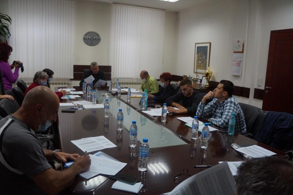 """Политическите партии постигнаха споразумение за съставите на секционните избирателни комисии в община """"Тунджа"""" на проведените на 7 октомври консултации..."""