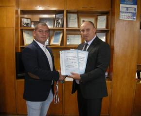 Полицай от Нова Загора с медали от републиканско първенство по карате за служители на МВР