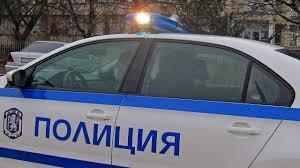 Полицай спаси 51-годишна бургазлийка, скочила от моста в морския град. Инцидентът е станал тази сутрин в 9 и 40, съобщава БНР-Бургас, цитирайки областната...