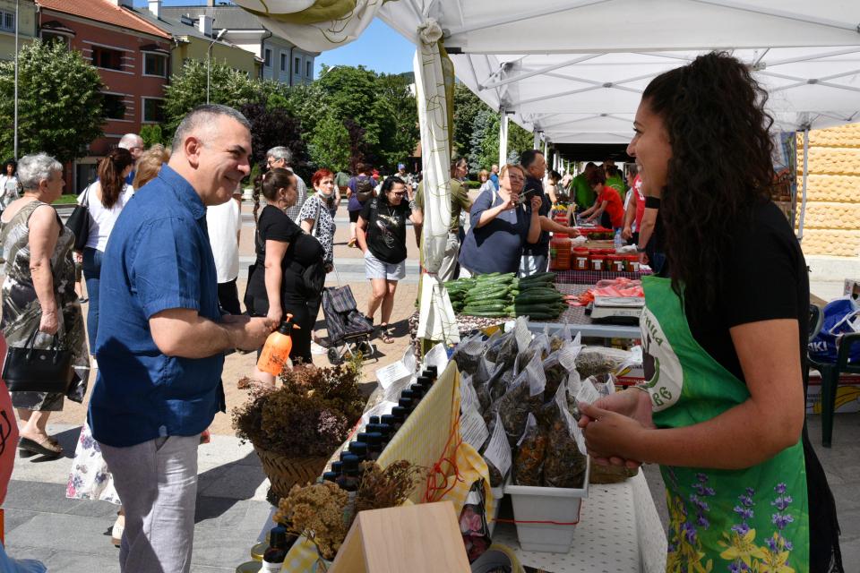 Поредният, вече трети фермерски пазар за производители от Сливен и региона, е насрочен за 4 септември. Обичайно, той ще бъде позициониран пред сградата...