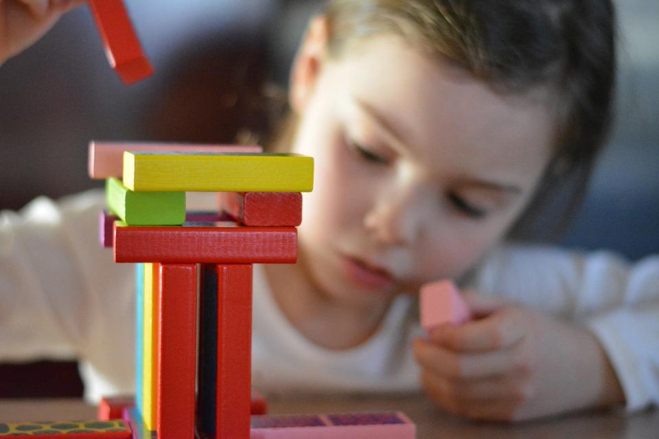 """РЗИ-Сливен поставя под карантина още една група от филиала на детска градина """"Синчец"""" в Сливен заради положителна проба за Ковид-19 на учителката, съобщиха..."""
