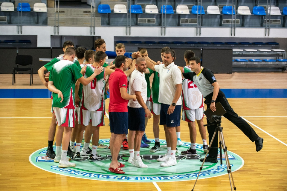Юношеските отбори вече също могат да провеждат състезания. Индивидуалните спортни занимания са разрешени за всички възрастови групи, а колективните спортове...