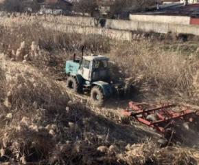 С практическо занятие ученици ще почистват небетонираното корито на Тунджа